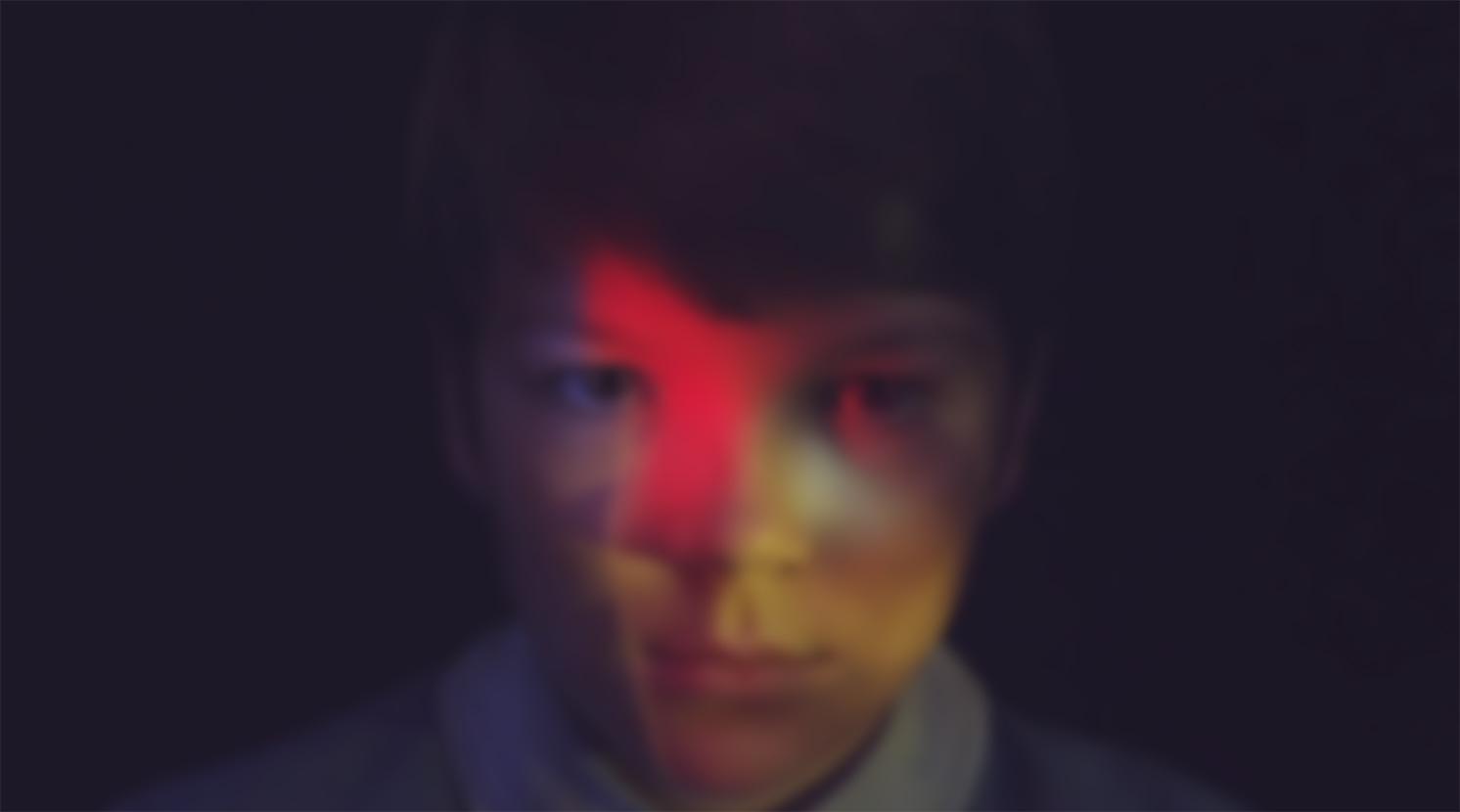 Posterframe kidatfront blur